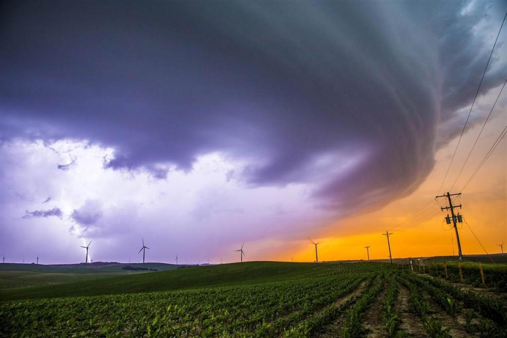 140617-tornado-pilger-nebraska-815a_ff7fdb01b9e3247be9a849a5422794c1.nbcnews-ux-1200-800
